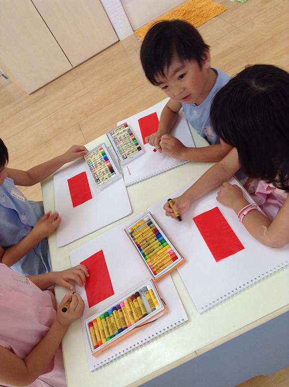 松井ヶ丘保育園ひまわり組の描画あそび画像2
