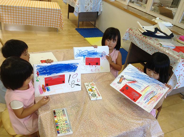 松井ヶ丘保育園ひまわり組の描画あそび画像5